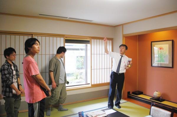 樋口社長から客室をご案内していただきました