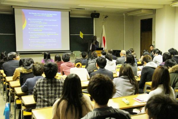 アンゴラの歴史や文化に加え、グローバル市民に必要なことを語られました