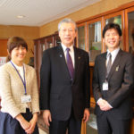 「新発田市役所」勤務-宮崎由香さん(1994年度卒業)、水島徹郎さん( 2009年度卒業)