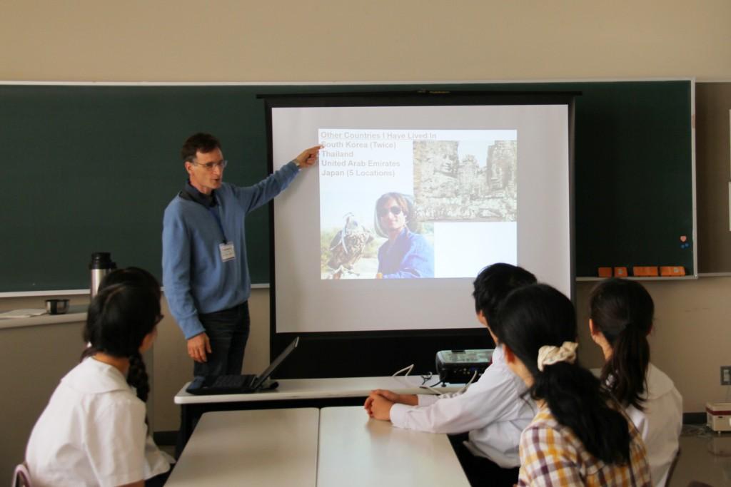 ネイティブ教員による実践的な英会話