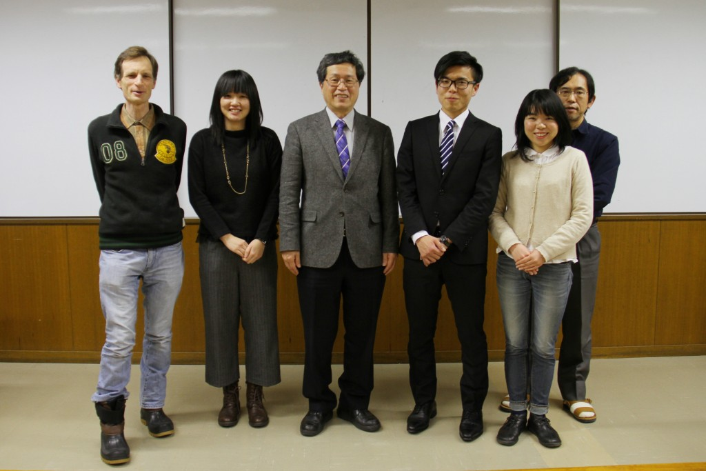 山田学長と卒論指導教員と一緒に