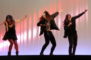 ダンスサークル「Free Stylers」のステージ