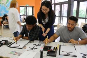 学生と留学生との異文化交流の場となっています