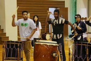 和太鼓等のさまざまな活動を通じ、日本の文化を体験