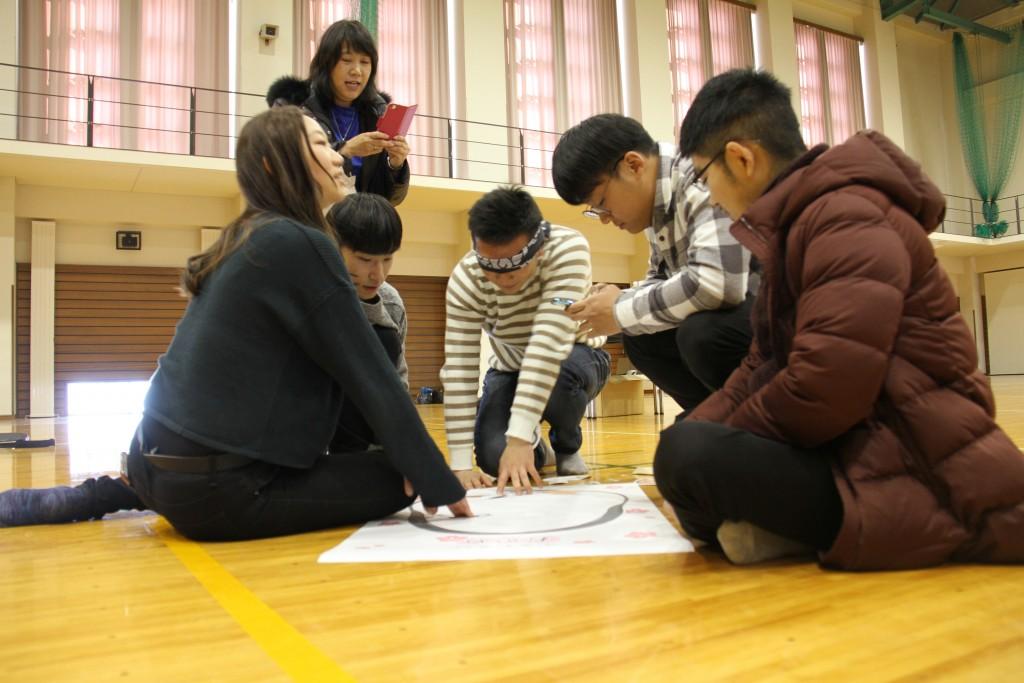 日本の遊び「福笑い」