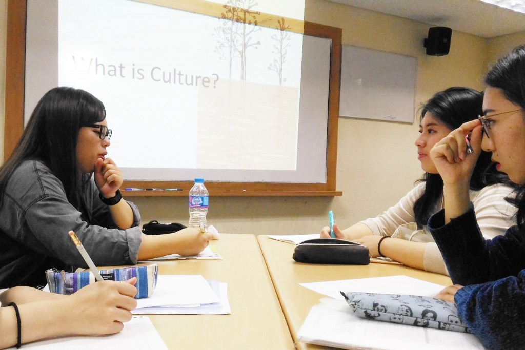 アジアの同世代と英語で議論を交わします
