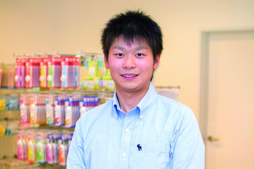 育児用品の企画開発を行っている小池航さん(2012年度卒業)