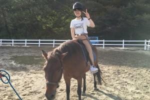 考えるだけでなく、実際に乗馬を体験!