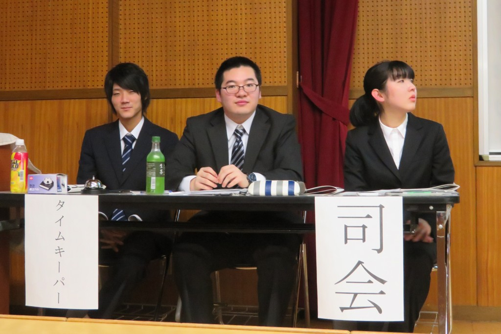 共生社会学科全体報告会は、学生たちの手で運営されています