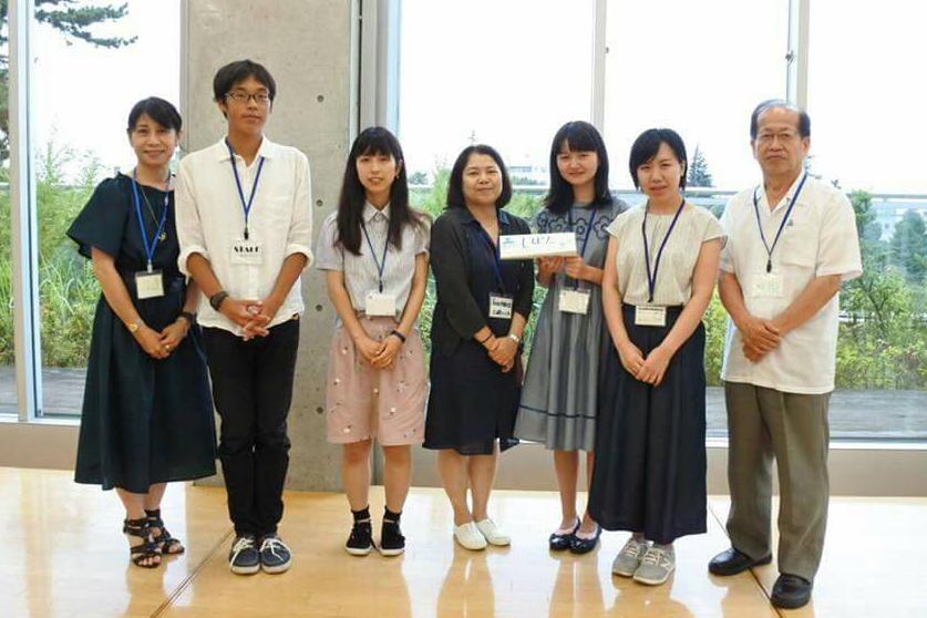 大澤先生(写真右)と一緒に、サンタサミットにて