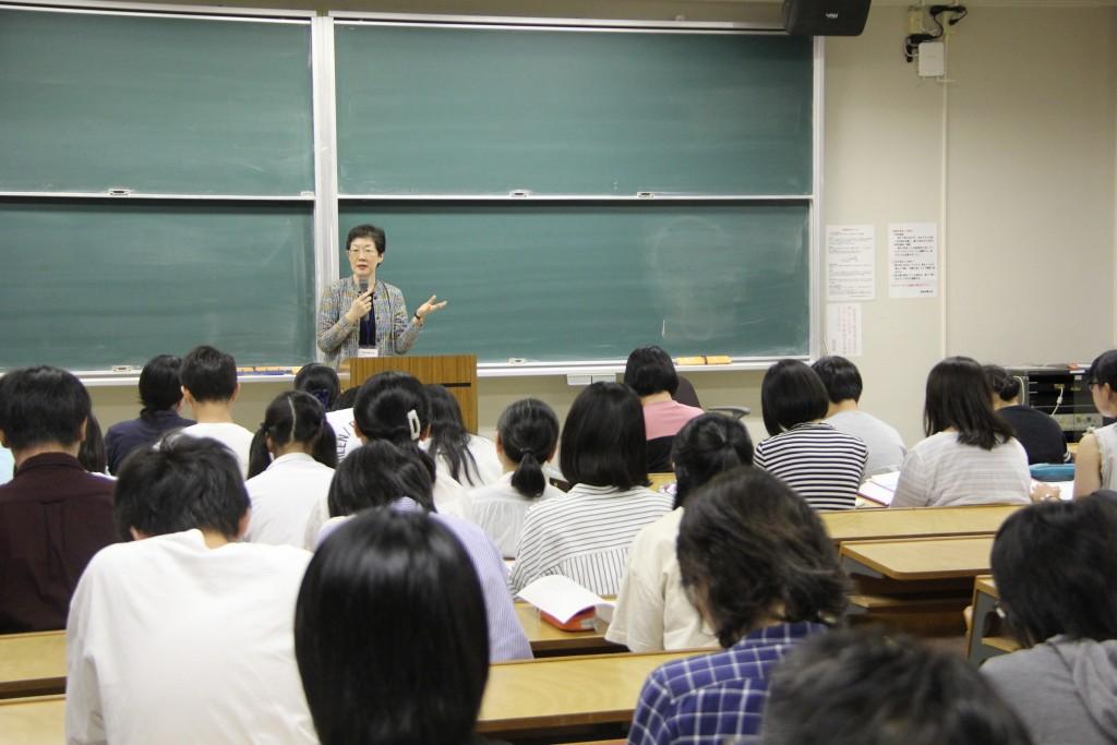桑原ヒサ子 教授「グリム童話の「白雪姫」って本当はどんな話?」