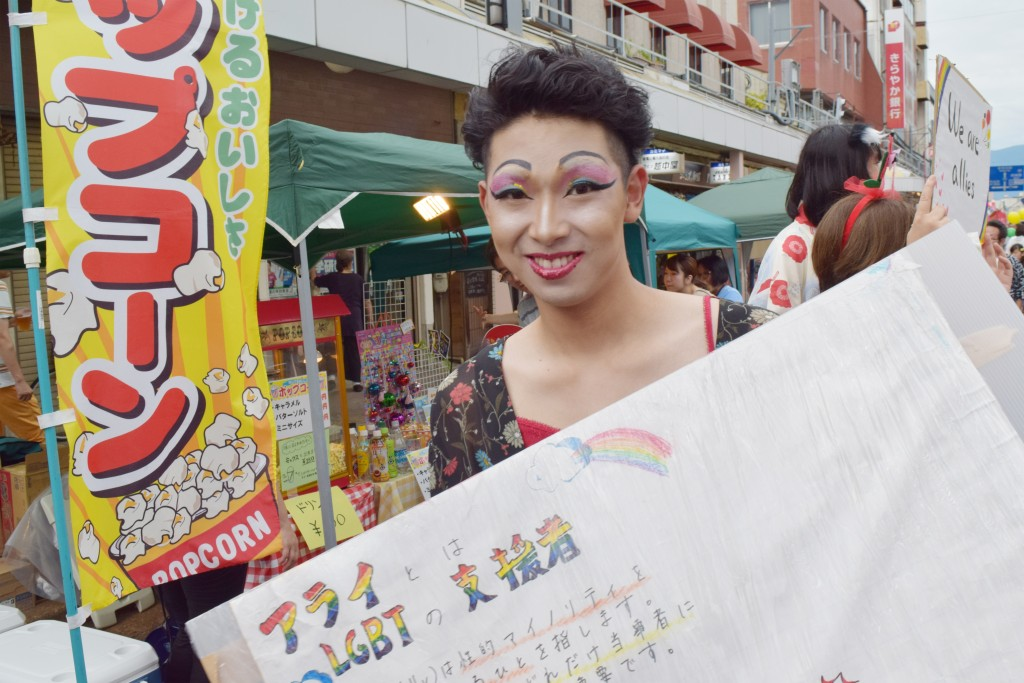 LGBT研究会「Keiwa-sign」は、ドラァグ・クイーンの仮装で会場を盛り上げました!