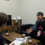 バドミントン部の松浦進二監督が雑誌取材を受けました