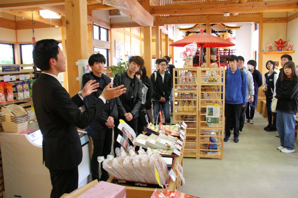 花安さま、寺町たまり駅を見学(11月8日)