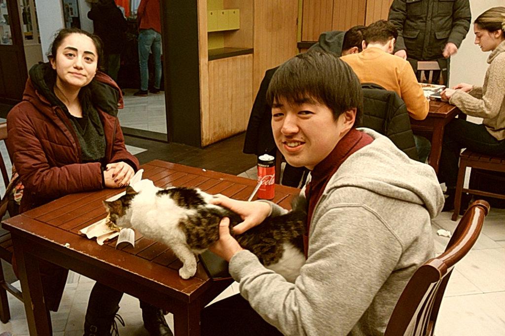 日本に留学する予定の現地学生と交流しました