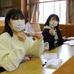 山田学長から新入生に笹団子の差し入れがありました