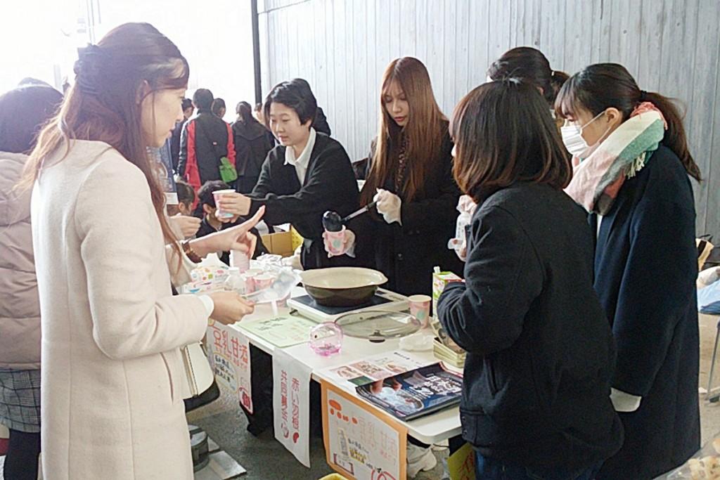 【ゼミ】「城下町しばた全国雑煮合戦」に学生たちが出店しました(主濱)