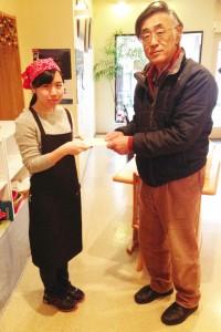 まちカフェ・りんく「粟島フェア」での売り上げをフードバンクしばたに寄付しました