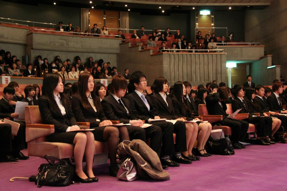 希望を胸に 「2012年度入学式」を開催