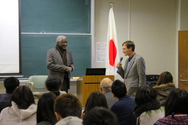 グローバル人材育成に向けて「アンゴラ共和国大使特別講演会」を開催