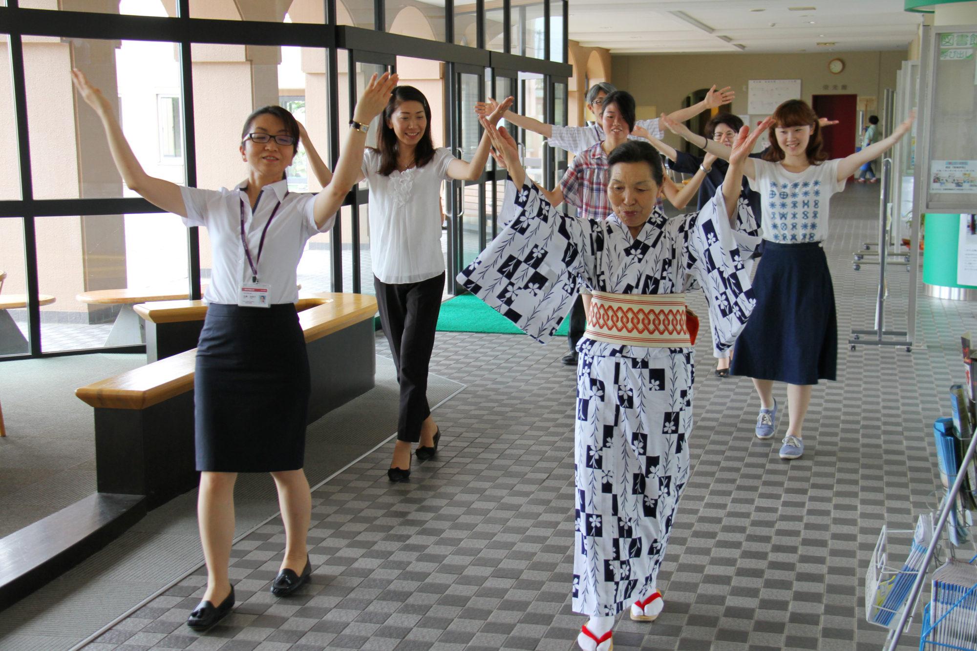 新発田まつりに向けて、民謡流しの練習中!