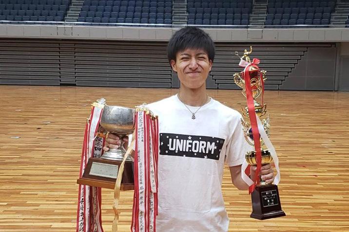 【敬和スポーツ】第67回中部学生バドミントン選手権大会で男子シングルス、男子ダブルス優勝しました