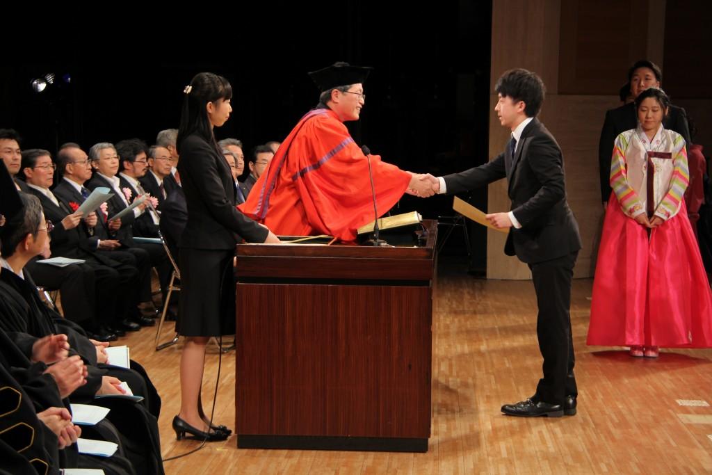 卒業生の皆さんおめでとう!第24回卒業式を挙行しました