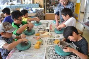 キッズカレッジ「子ども陶芸教室」のご案内(8月5日、27日)