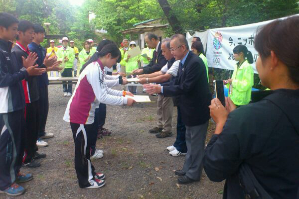 【敬和スポーツ】全日本フィールドアーチェリー選手権で小林舞さんが優勝!