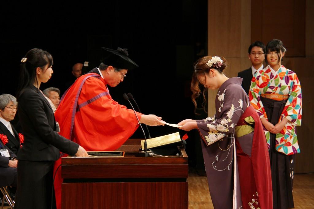 卒業生の皆さんおめでとう!第25回卒業式を挙行しました