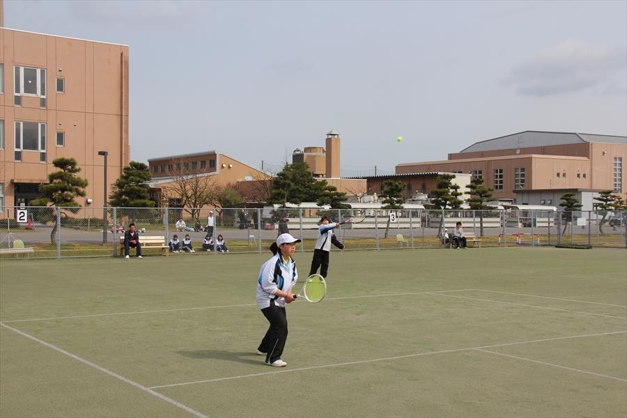 第4回学長杯高校生交流テニス大会を開催しました