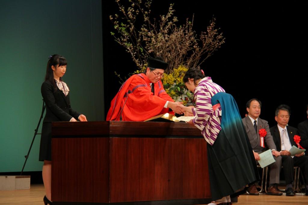 第22回卒業式が盛大に執り行われました