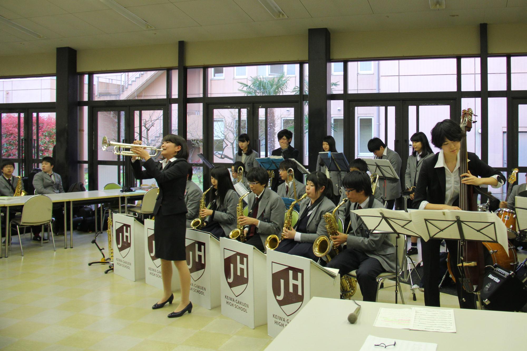 Jazzサークル「Jazz Quest」デビューコンサートを開催しました
