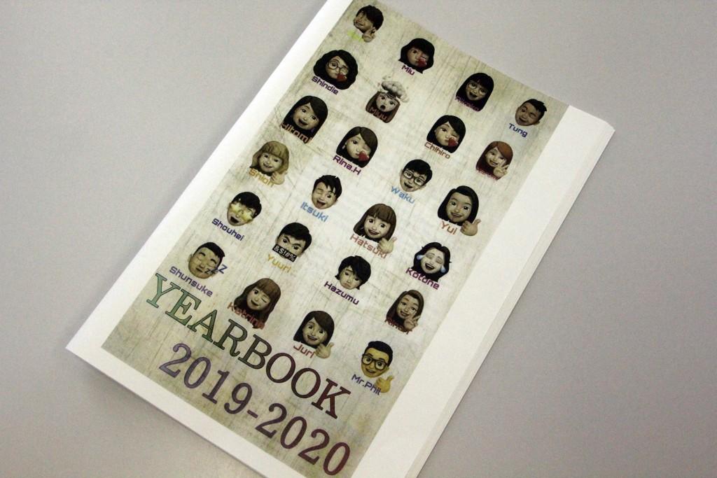 英語クラスで「YEARBOOK 2019-2020」を制作しました(PDFで閲覧できます)