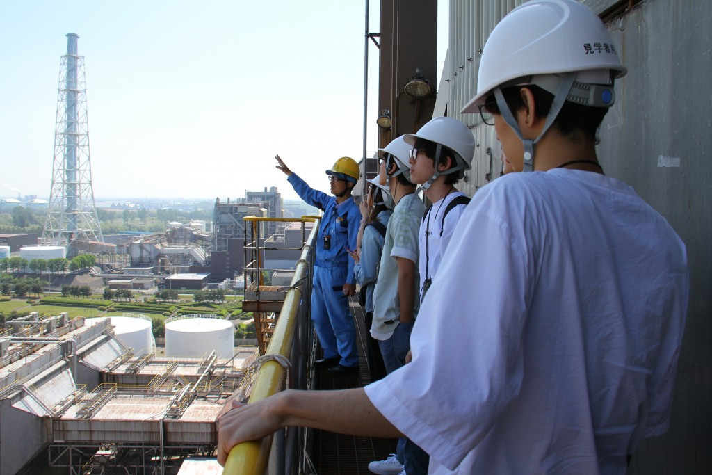 「地域学」で東北電力(株)東新潟火力発電所さまを見学しました