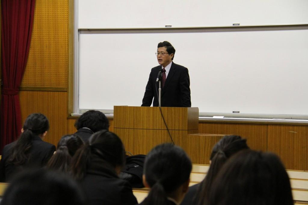 学内合同企業説明会、阿賀北ロマン賞授賞式が開かれました